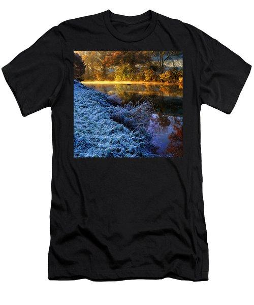 Frosty Autumnal Tamar River Men's T-Shirt (Athletic Fit)