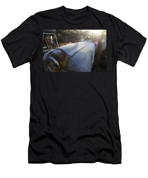 Frosty Tractor Men's T-Shirt (Athletic Fit)