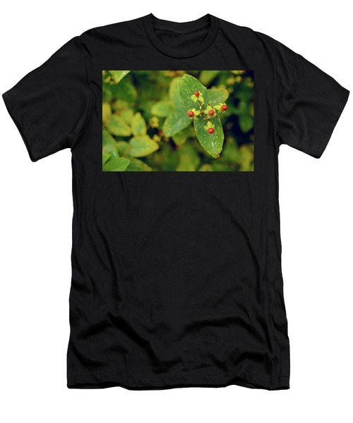 Men's T-Shirt (Athletic Fit) featuring the photograph Fall Berry by Gene Garnace