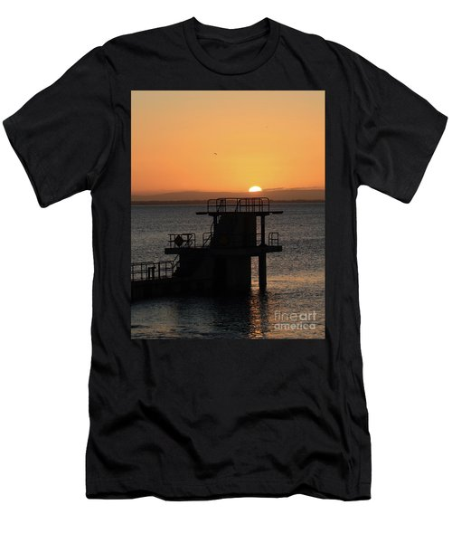 Galway Bay Sunrise Men's T-Shirt (Athletic Fit)