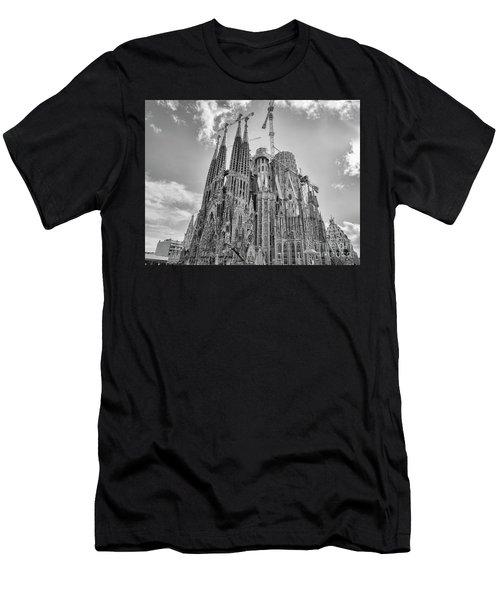 Gaudi La Sagrada Blk Wht Men's T-Shirt (Athletic Fit)