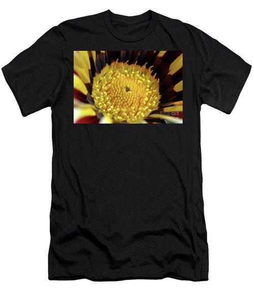 Gazania Macro Men's T-Shirt (Slim Fit)