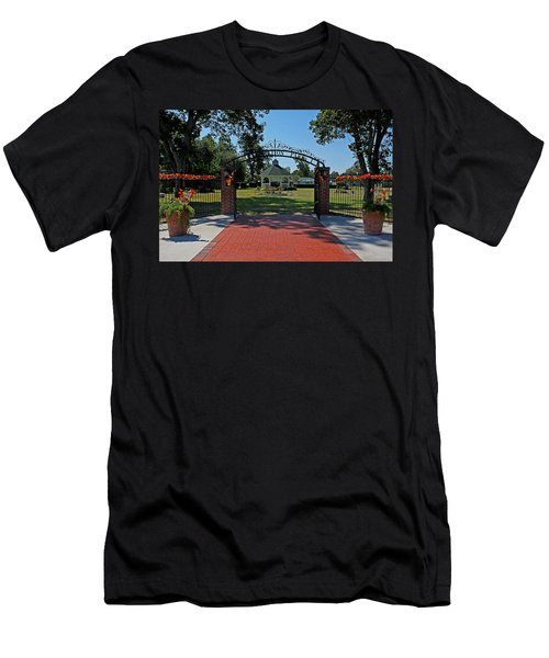 Men's T-Shirt (Slim Fit) featuring the photograph Gazebo At Celebration Park by Judy Vincent