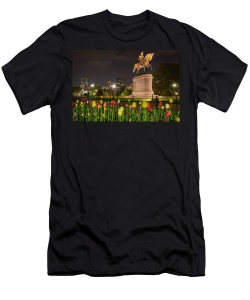 George Washington Standing Guard Men's T-Shirt (Athletic Fit)
