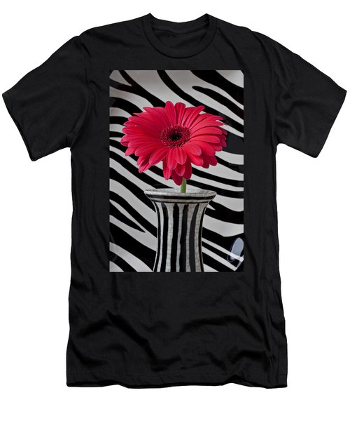 Gerbera Daisy In Striped Vase Men's T-Shirt (Athletic Fit)