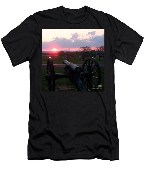 Gettysburg Cannon Men's T-Shirt (Athletic Fit)