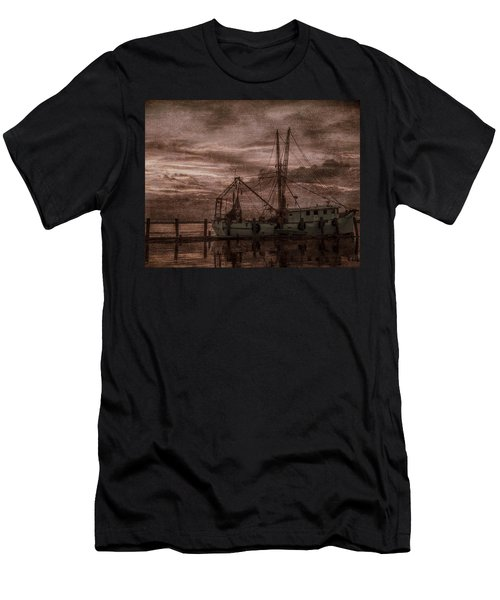 Ghost Ship Men's T-Shirt (Athletic Fit)