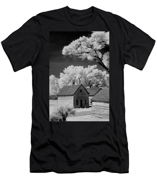 Ghost Town Bannack, Mt  Men's T-Shirt (Athletic Fit)