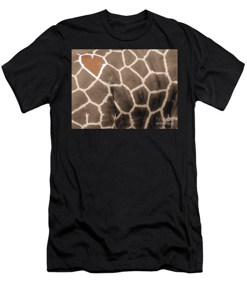 Giraffe Love Men's T-Shirt (Athletic Fit)