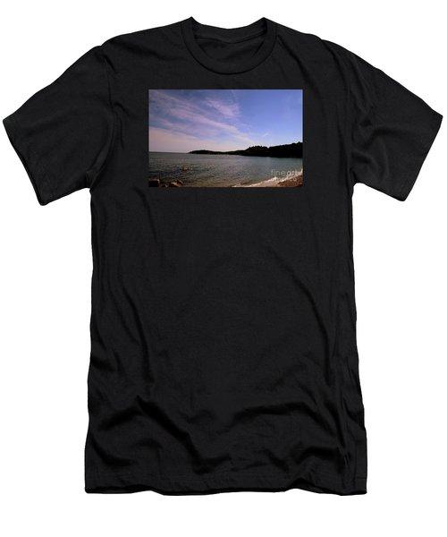 Gloucester Beach Men's T-Shirt (Athletic Fit)