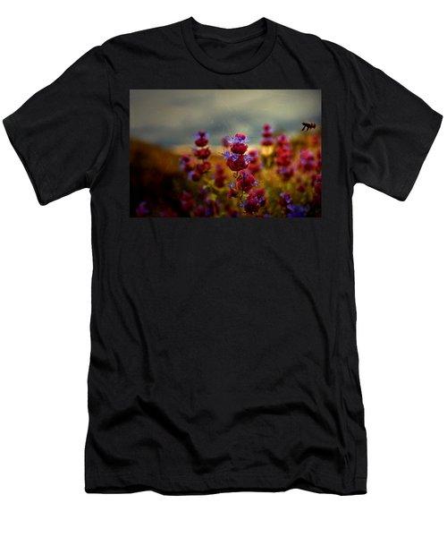Go Bee Men's T-Shirt (Athletic Fit)