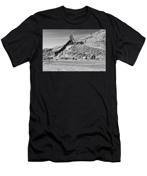 Gold Hill Men's T-Shirt (Athletic Fit)