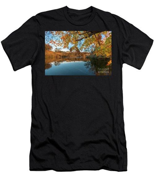 Golden Autumn Colors At Biltmore Men's T-Shirt (Athletic Fit)