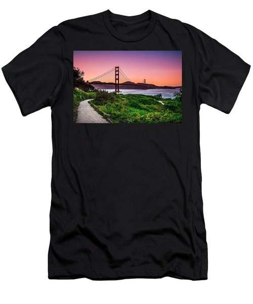 Golden Gate Bridge San Francisco California At Sunset Men's T-Shirt (Athletic Fit)