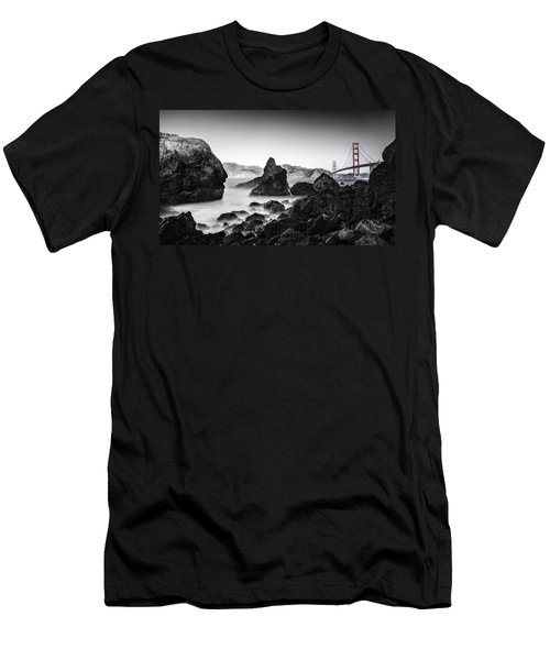 Golden Gate Colour Men's T-Shirt (Athletic Fit)