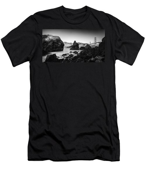 Golden Gate In Black And White Men's T-Shirt (Athletic Fit)