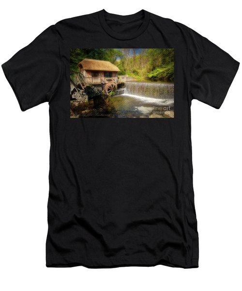 Gomez Mill House Men's T-Shirt (Athletic Fit)