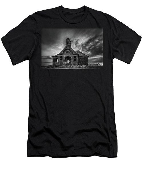 Goven School House Men's T-Shirt (Athletic Fit)