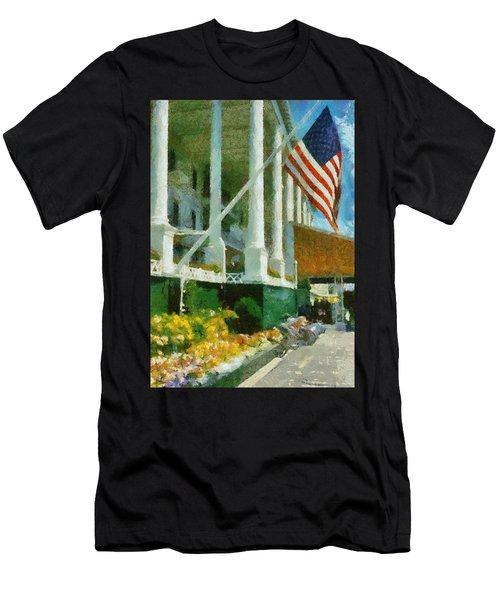 Grand Hotel Mackinac Island Men's T-Shirt (Athletic Fit)