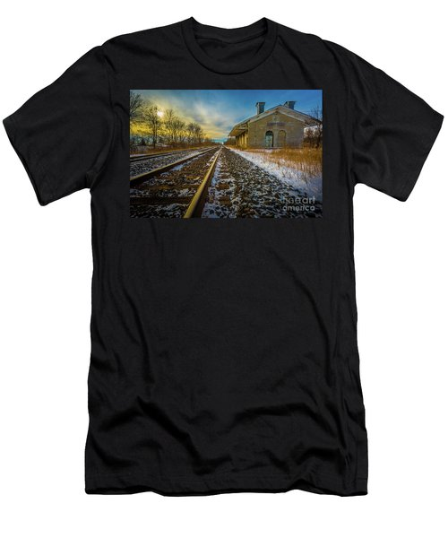 Grand Trunk Station  Men's T-Shirt (Athletic Fit)
