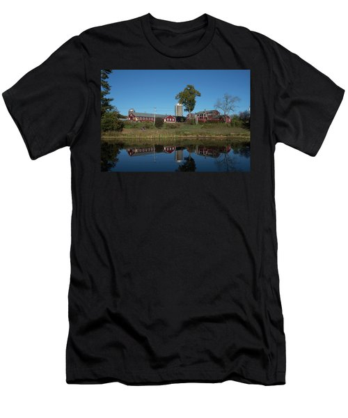 Great Brook Farm Men's T-Shirt (Athletic Fit)