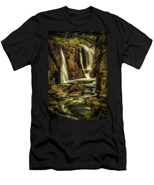 Great Falls Close Up Men's T-Shirt (Athletic Fit)