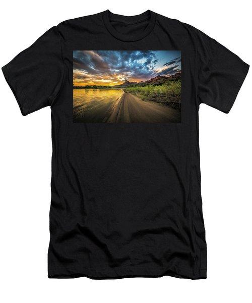 Green River, Utah 2 Men's T-Shirt (Athletic Fit)