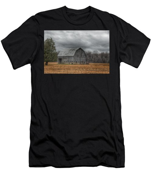 0024 - Grey Barn And Tree Men's T-Shirt (Athletic Fit)