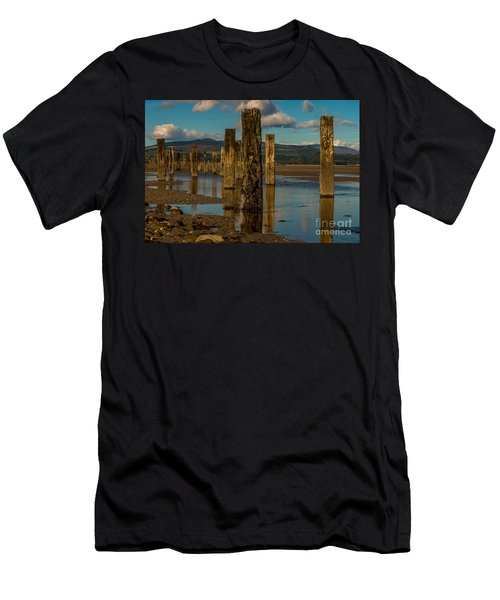 Groynes In Colour 1 Men's T-Shirt (Athletic Fit)