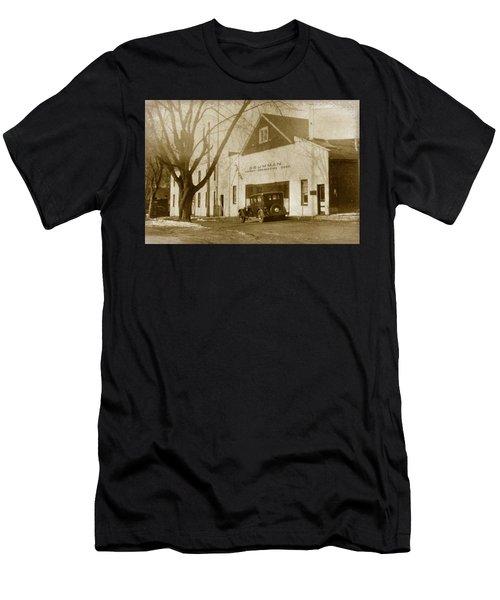 Grumman Baldwin Garage Men's T-Shirt (Athletic Fit)