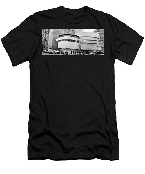 Guggenheim Museum Nyc Bw Men's T-Shirt (Athletic Fit)