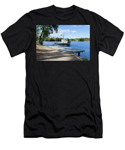 Gull Lake Park Gravenhurst 2 Men's T-Shirt (Athletic Fit)