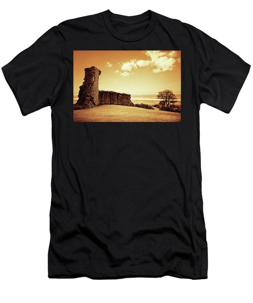Hadleigh Castle Men's T-Shirt (Athletic Fit)