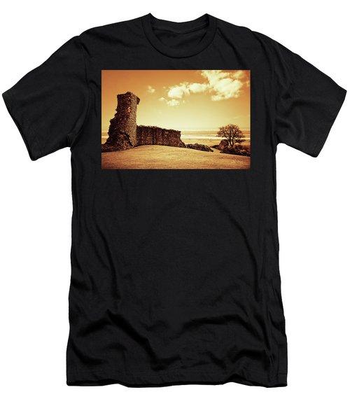 Hadleigh Castle Men's T-Shirt (Athletic Fit)
