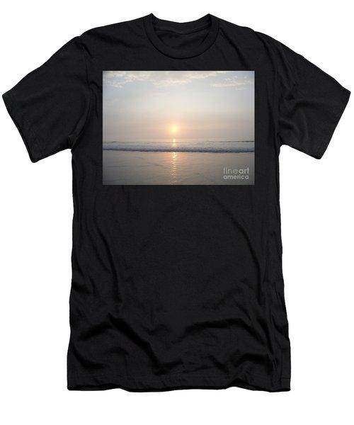 Hampton Beach Sunrise Men's T-Shirt (Athletic Fit)