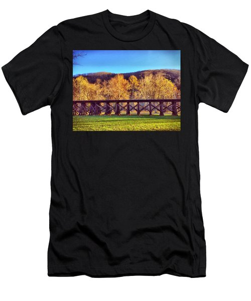 Harpers Ferry Train Tracks Men's T-Shirt (Athletic Fit)