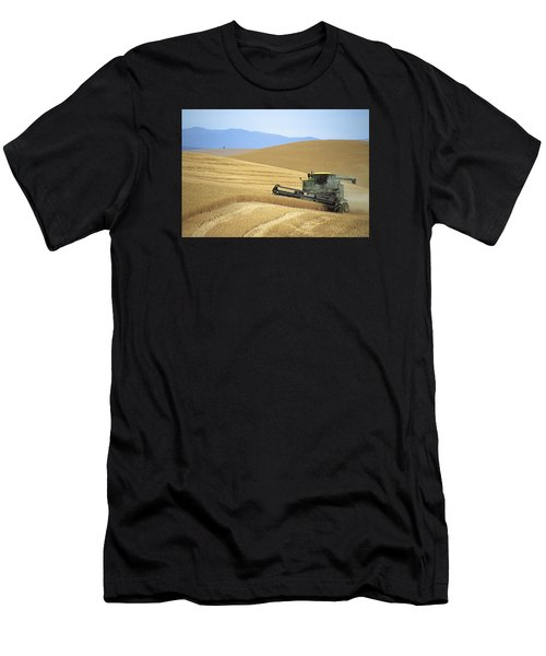 Harvest And Moscow Mountain Men's T-Shirt (Athletic Fit)