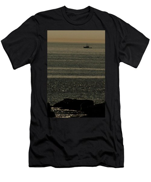 Heading Out Men's T-Shirt (Athletic Fit)