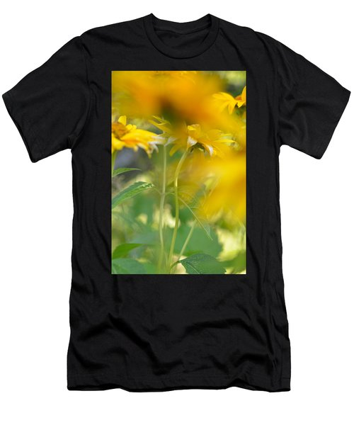 Heliopsis Blur Men's T-Shirt (Athletic Fit)