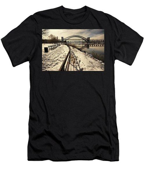 Hellgate Bridge In Winter Men's T-Shirt (Athletic Fit)