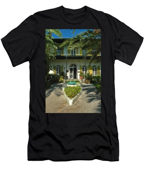 Hemingways House Key West Men's T-Shirt (Athletic Fit)