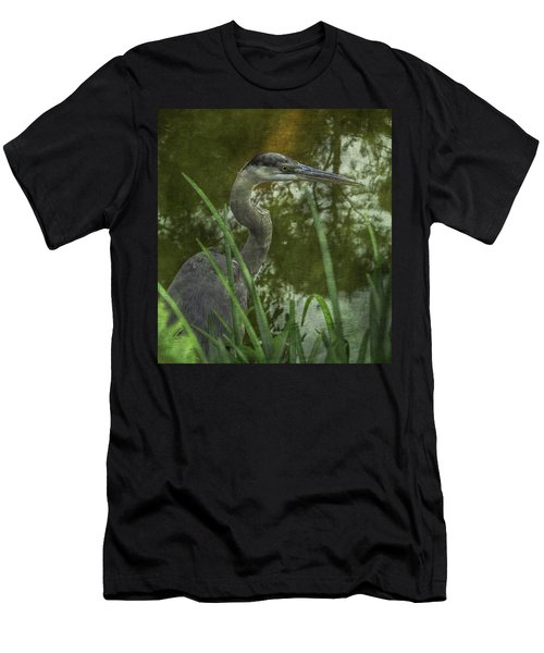 Hiding In The Grass Men's T-Shirt (Athletic Fit)