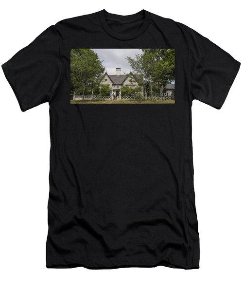 Historic House In Salem Men's T-Shirt (Athletic Fit)