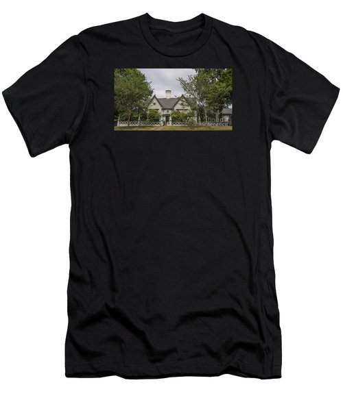 Historic House In Salem Men's T-Shirt (Athletic Fit)