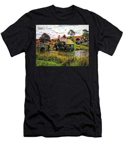 Hobbiton Mill And Bridge Men's T-Shirt (Athletic Fit)