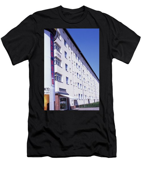 Honk Kong And Building In Berlin Men's T-Shirt (Athletic Fit)