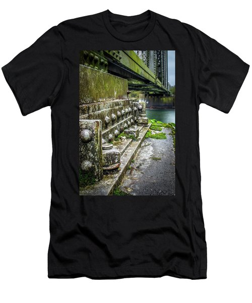 Hopedale Train Bridge Men's T-Shirt (Athletic Fit)