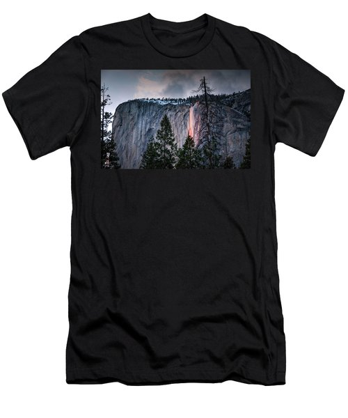 Horsetail Waterfall Glow 2017 Men's T-Shirt (Athletic Fit)