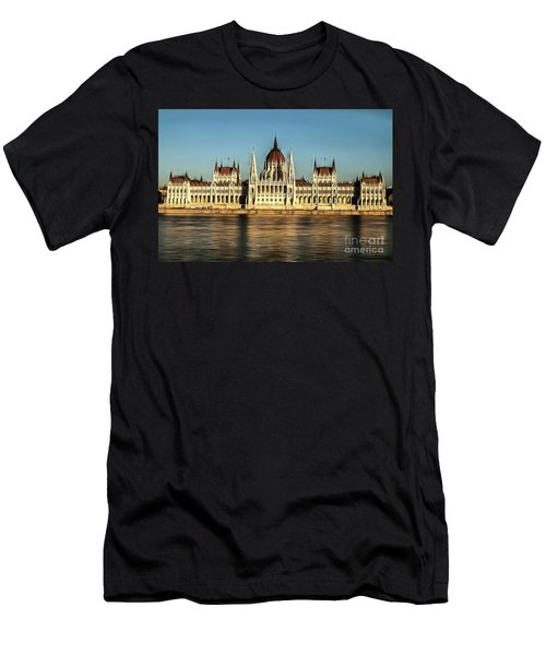 Hungarian National Parliament Men's T-Shirt (Athletic Fit)