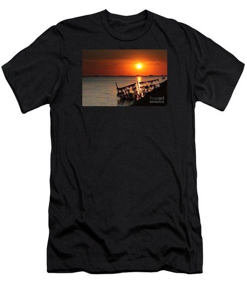 Husum Sunset Men's T-Shirt (Athletic Fit)